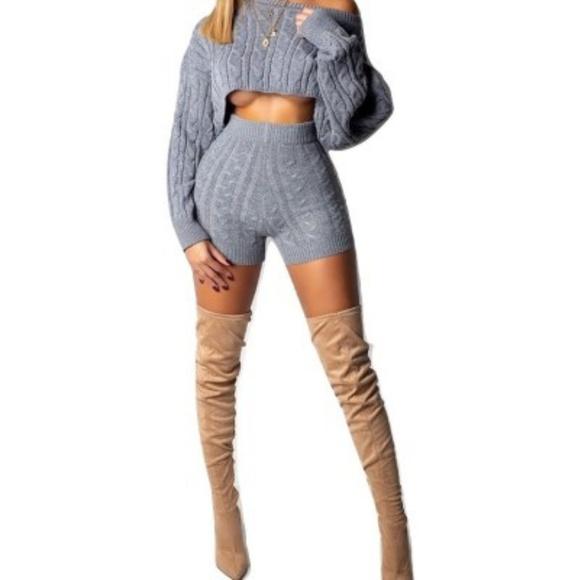 Sweaters - 2 piece shorts light weight knit set